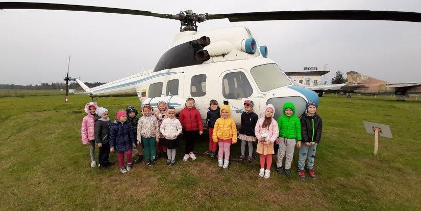 Saulučių ir Boružiukų grupių ugdytiniai lankėsi Įstros aerodrome